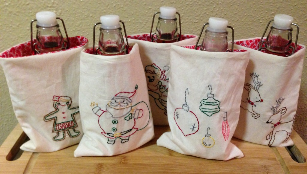 Embroidered Christmas Gift Bag | Craft Dictator