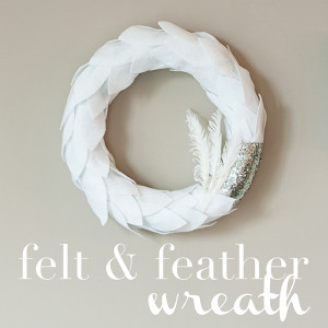 felt-feather-wreath