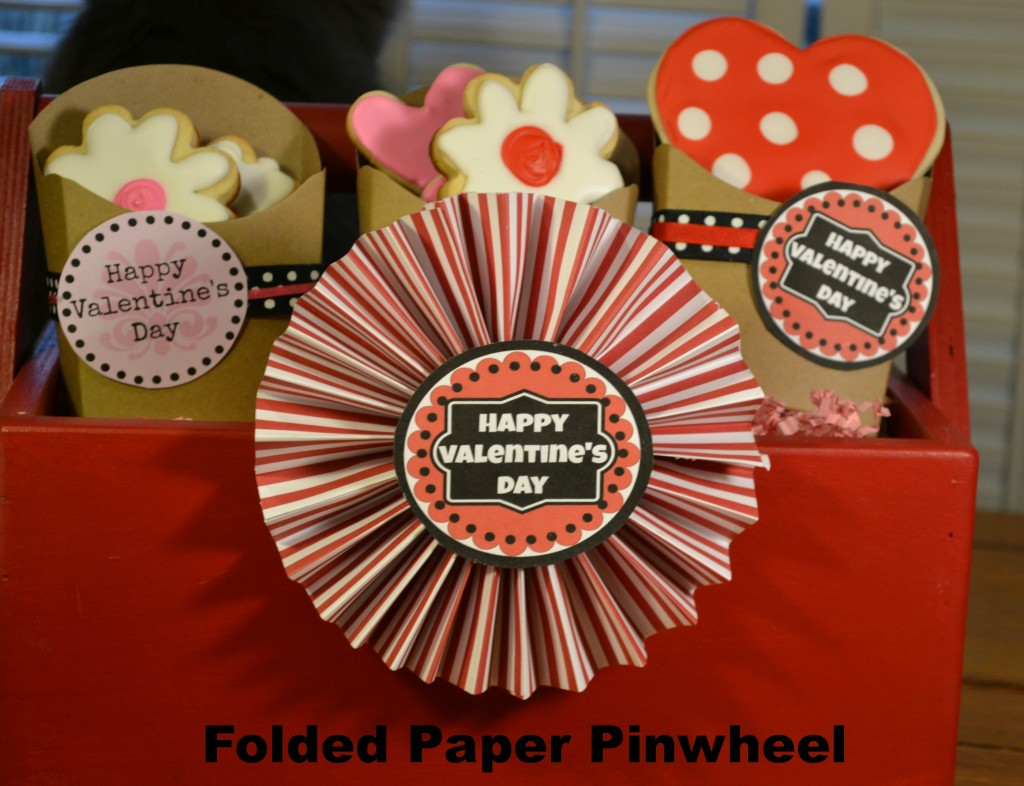 Folded Paper Pinwheel | Craft Dictator