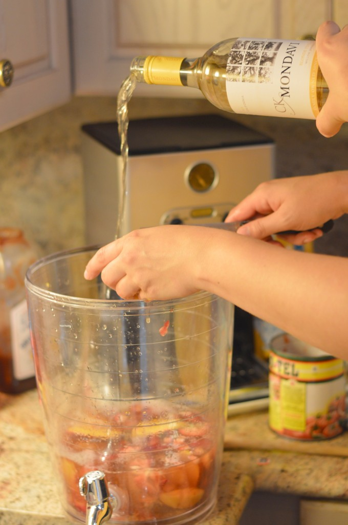 Making a Delicious Sangria with CK Mondavi for the 4th of July